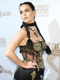 Katy Perry también se apunta a la moda de las Boxer Braids