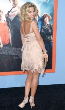 Elsa Pataky mostrando su pose de espalda más característico