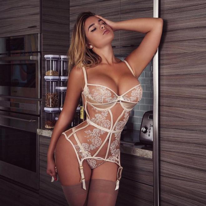 Anastasiya Kvitko, caliente en lencería
