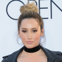 Famosas mejor maquilladas: Ashley Tisdale, con bien de make up