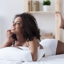 Flujo vaginal marrón: el indicador de manchados entre reglas