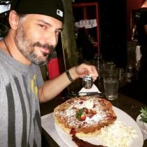Famosos comiendo: Joe Manganiello, loco por los postres