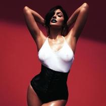 El descuido de Kylie Jenner, su pezón en Instagram