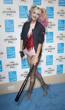 Poppy Delevingne, disfrazada de Harley Quinn