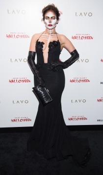 Jennifer Lopez, disfrazada de calavera