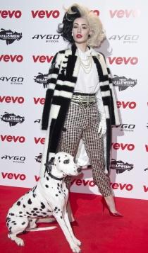 Iggy Azalea, disfrazada de Cruella de Vil