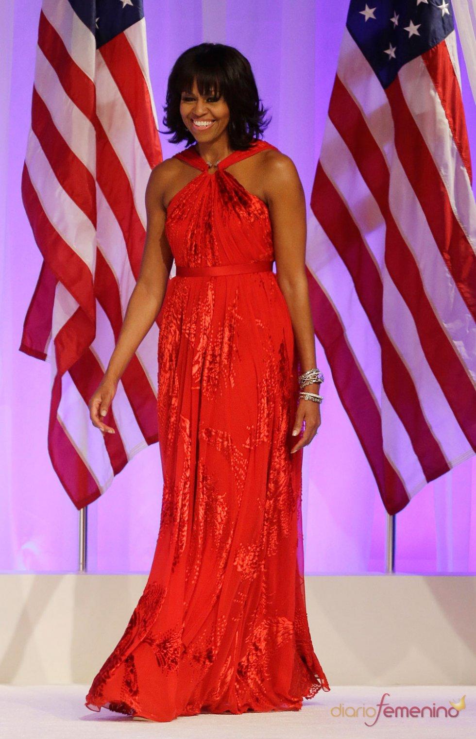 Michelle Obama con un vestido rojo