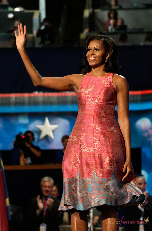 Michelle Obama elige un vestido rosa