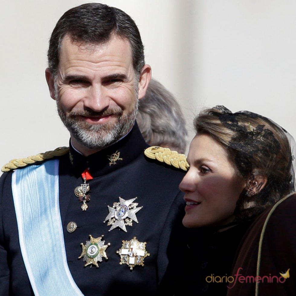 Letizia y el Príncipe Felipe: rendidos al Papa Francisco