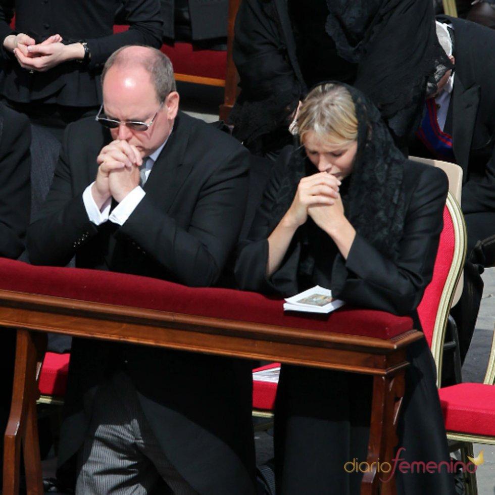 Los Príncipes de Mónaco, rendidos ante el Papa Francisco