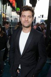Joshua Jackson en el estreno de 'The Host' en Los Ángeles