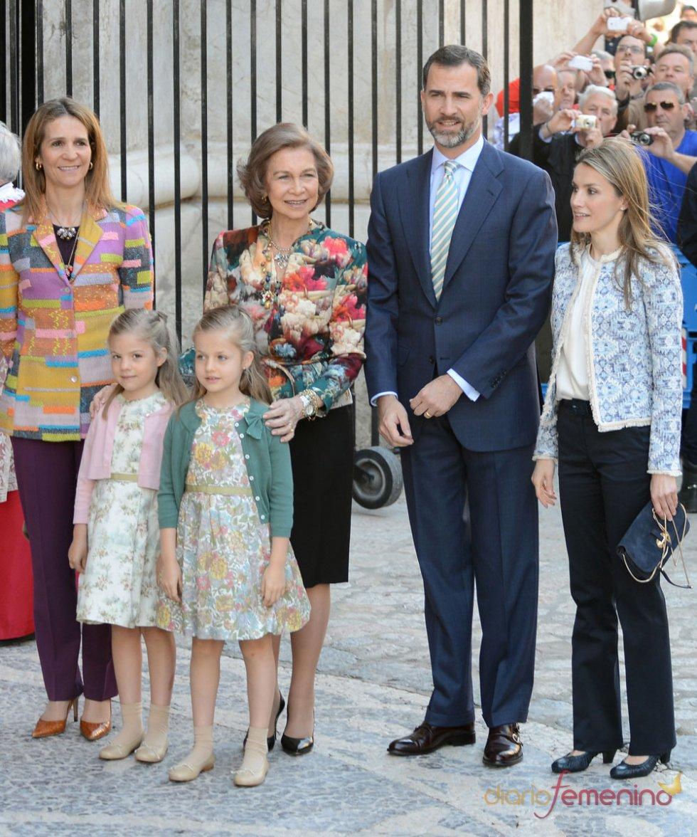 La Familia Real sin el Rey, en la Pascua de la Semana Santa 2013