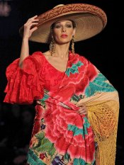 Los looks de las famosas en la Feria de Abril: Eva González