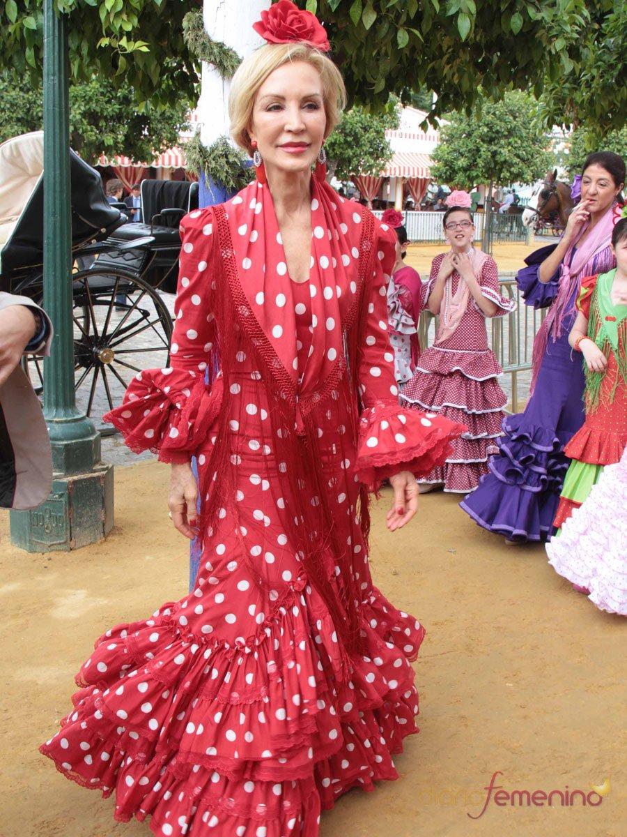 Los looks de las famosas en la Feria de Abril: Carmen Lomana