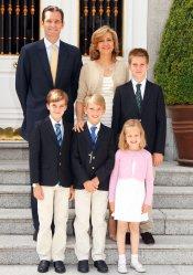 Iñaki Urdangarín y la infanta Cristina posaron con sus hijos para recibir 2012
