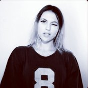 Daniela Blume se apunta a la moda retro en esta bonita foto