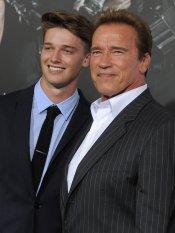 Patrick Schwarzenegger, digno heredero del físico de su padre, Arnold Schwarzenegger