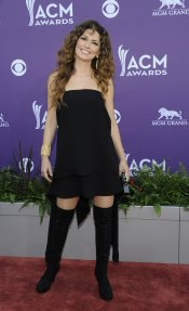 Shania Twain en la alfombra roja de los Country Music Awards 2013