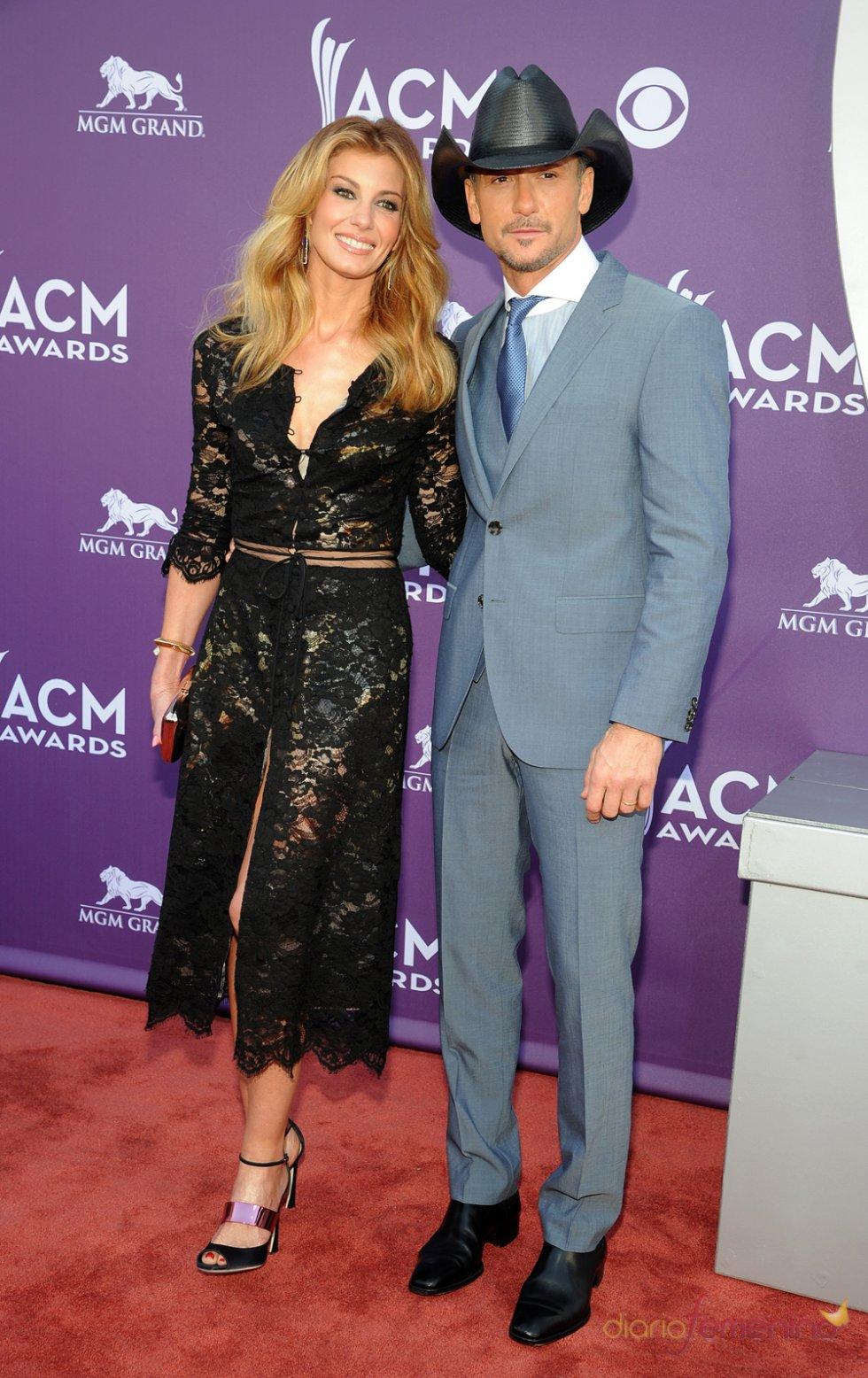 Faith hill y Tim McGraw en la alfombra roja de los Country Music Awards 2013