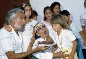 Sara Montiel junto a sus hijos y Pepe Tous, su gran amor