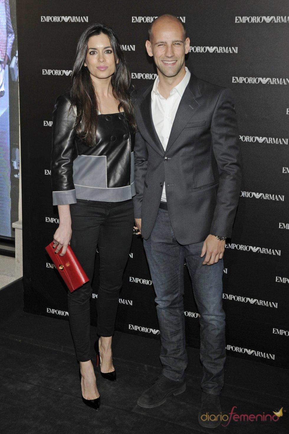 Gonzalo Miró y Ana Isabel Medinabeitia en la inauguración de la tienda Emporio Armani en Madrid