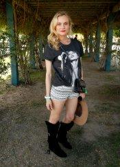 La pose rockera de Diane Kruger en el Festival Coachella 2013