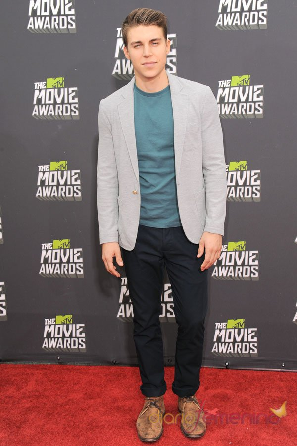 Nolan Funk en los MTV Movie Awards 2013