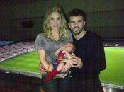 La primera foto de la familia al completo, Shakira, Gerard Piqué y el pequeño Milan