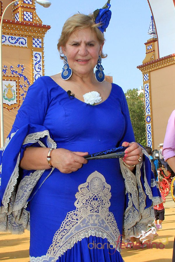 Carmen Bazan luce tipazo en la Feria de Abril 2013