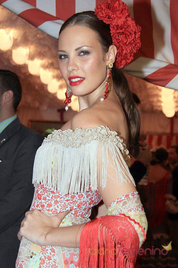 Jessica Bueno, sin Kiko Rivera en la Feria de Abril 2013