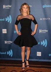 Jennifer Lawrence presume de nuevo look en la gala Glaad 2013