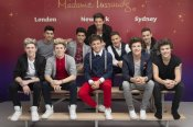 One Direction con One Direction: realidad y muñecos de cera