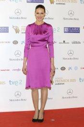 El look de Eva González, presentadora de Masterchef, durante los premios Iris 2013