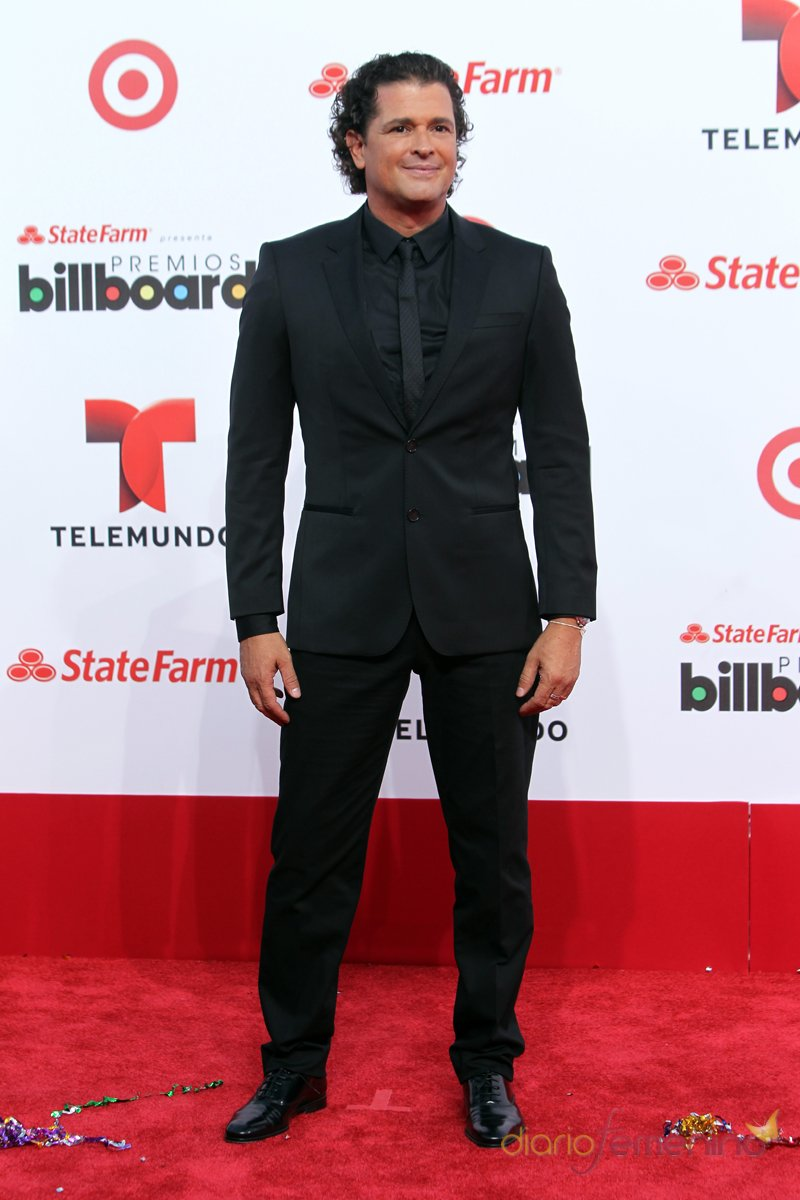 El look de Carlos Vives en la alfombra roja de los Premios Billboard Latinos 2013