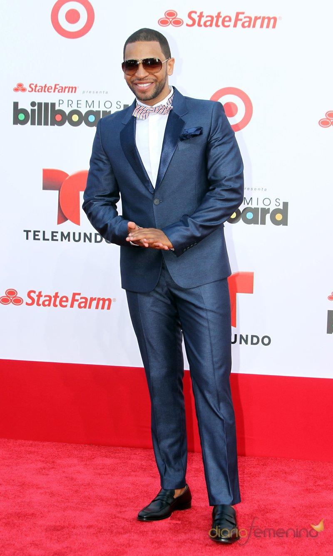 El look de Henry Santos en la alfombra roja de los Billboard Latinos 2013
