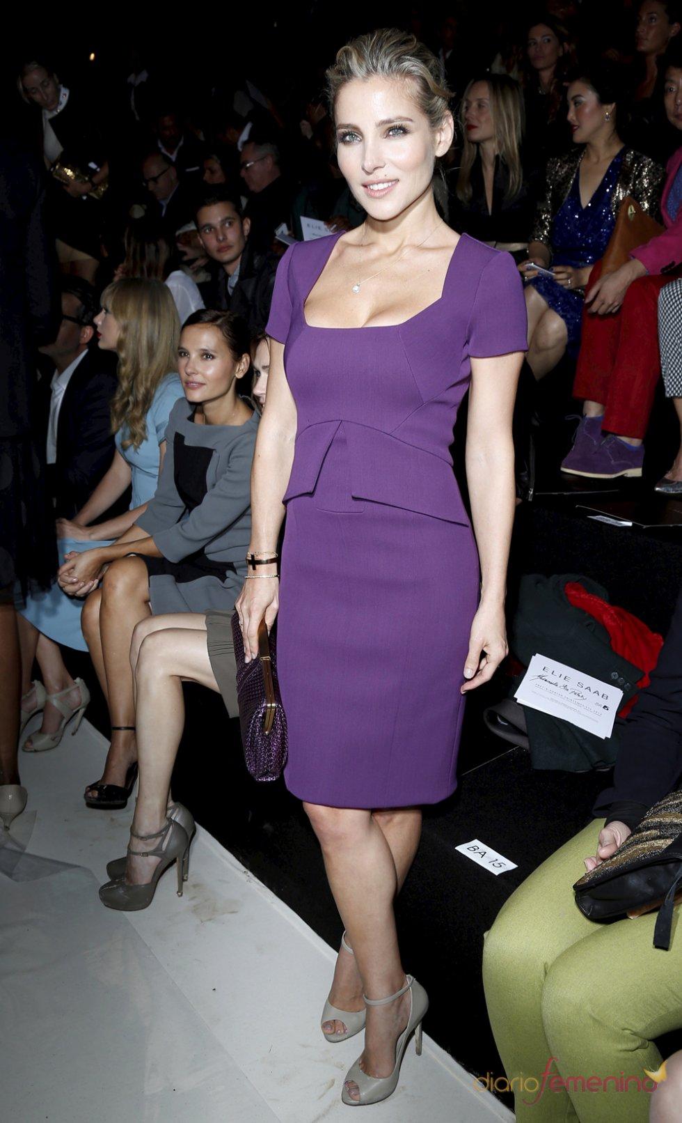Elsa Pataky con un vestido corto de fiesta violeta