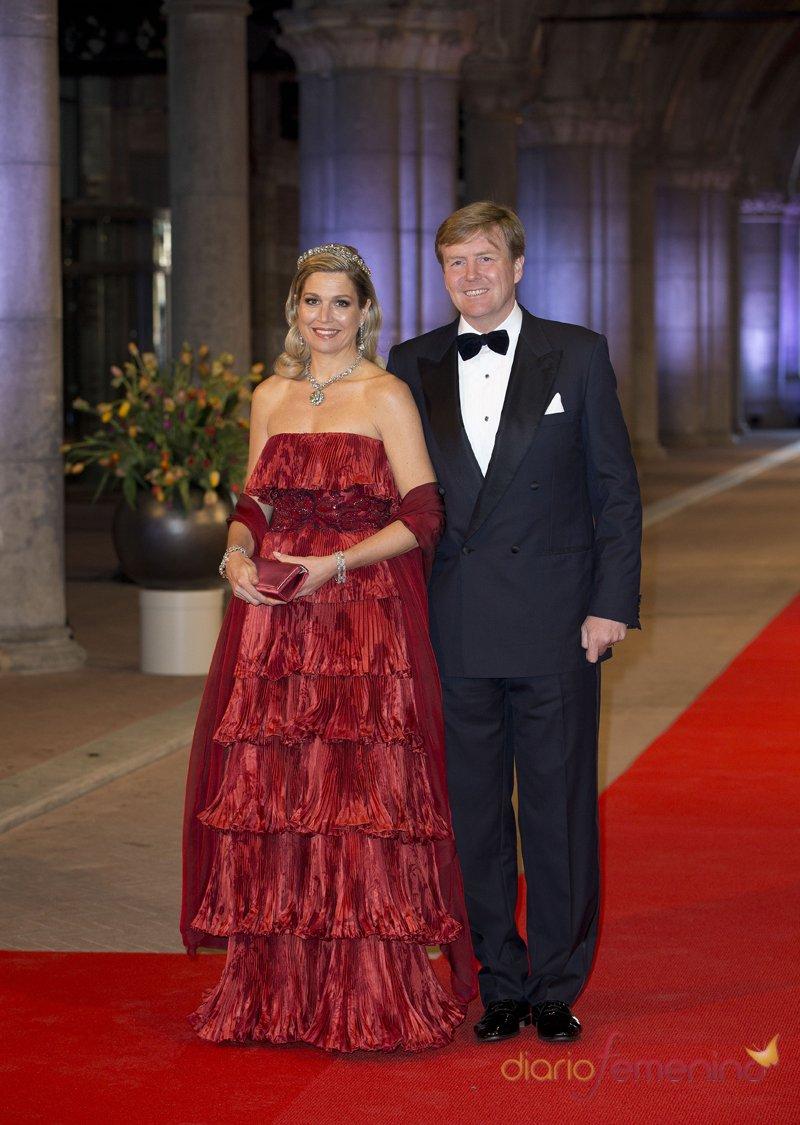 Guillermo de Holanda y Máxima Zorreguieta en la última cena organizada por Beatriz de Holanda como Reina