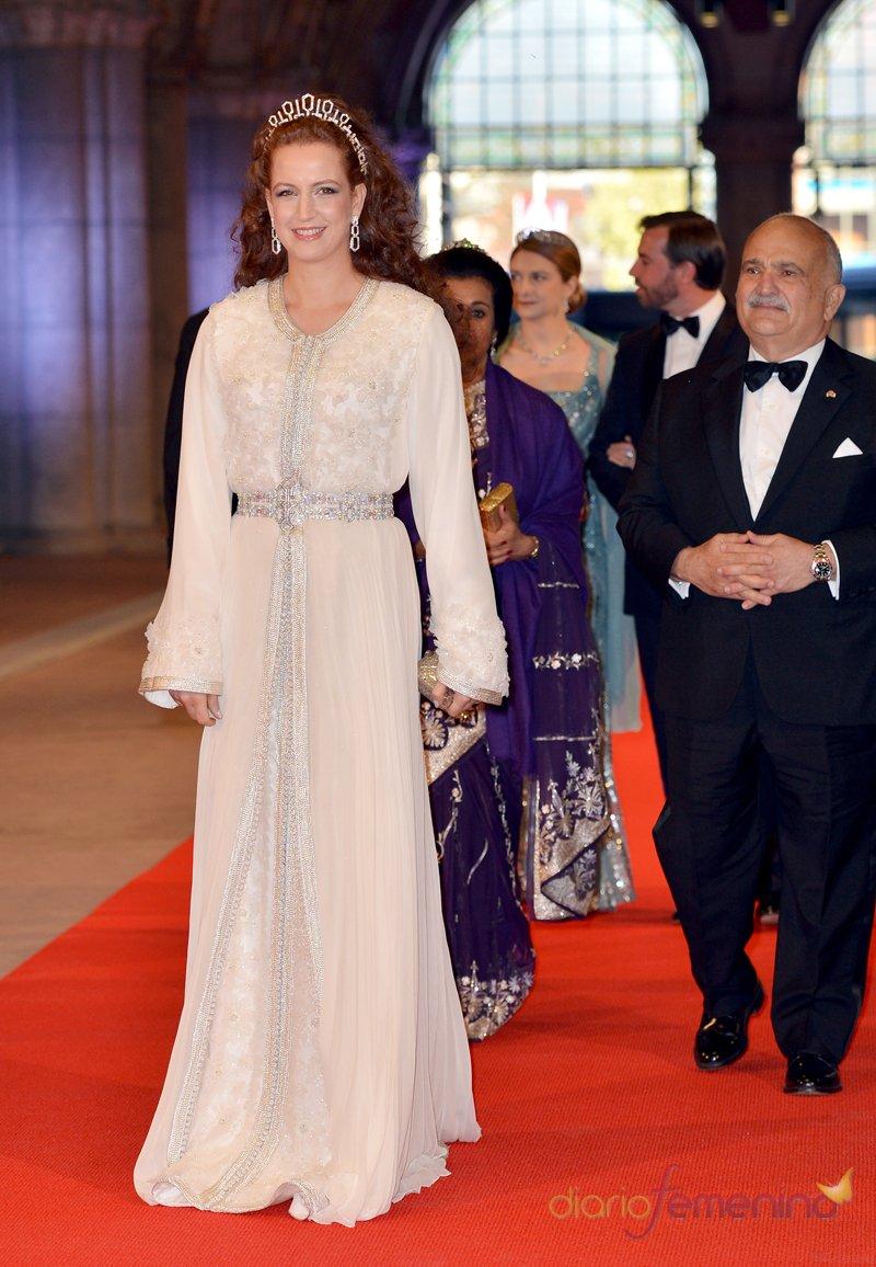 La reina consorte de Marruecos, Lalla Salma, durante la última cena organizada por Beatriz de Holanda como Reina