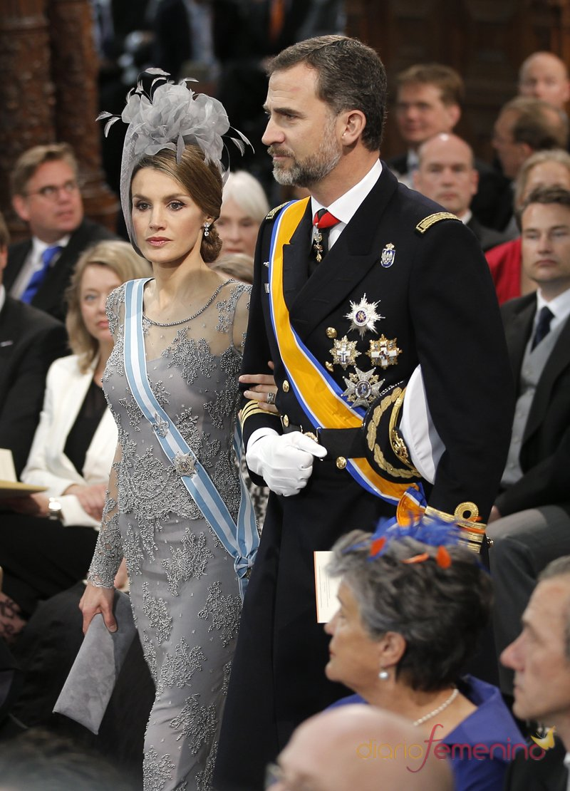 Los príncipes de España, Felipe y Letizia, en la coronación de Guillermo de Holanda