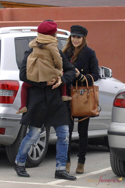 Paula Echevarría sonríe a su hija Daniela