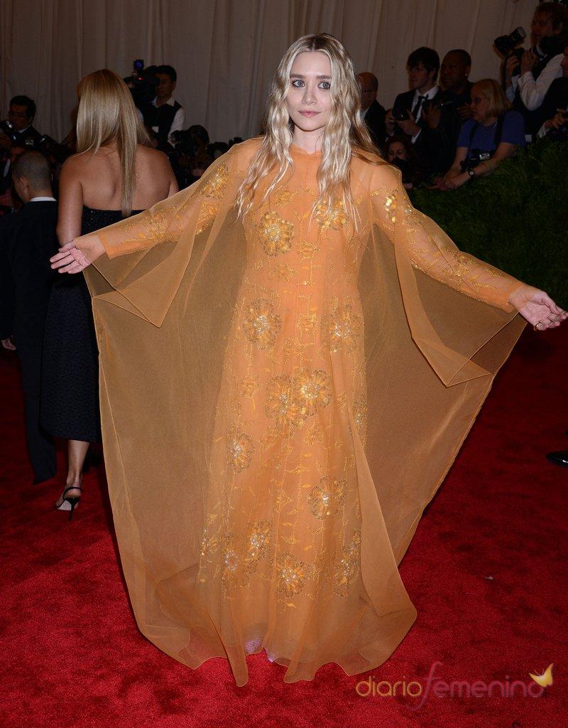 El look de Ashley Olsen en la gala MET 2013 dedicada a la estética Punk