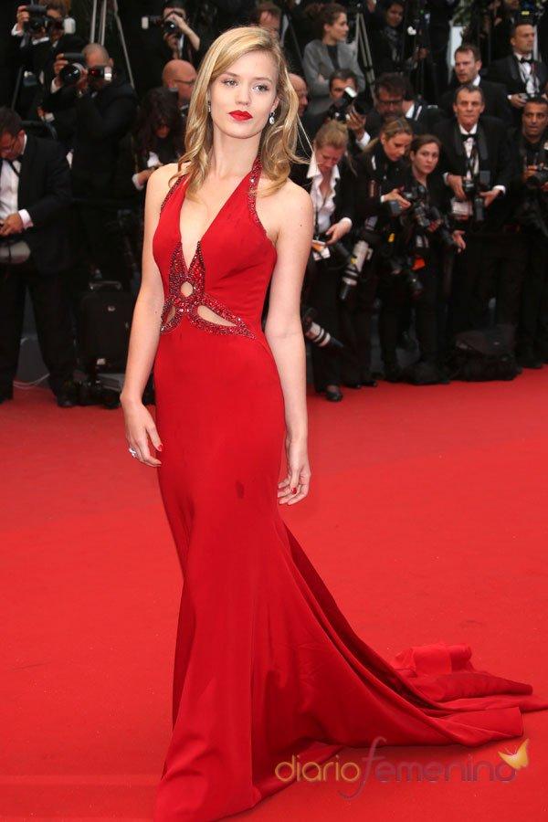 El vestido rojo de Georgia May en el Festival de Cannes 2013