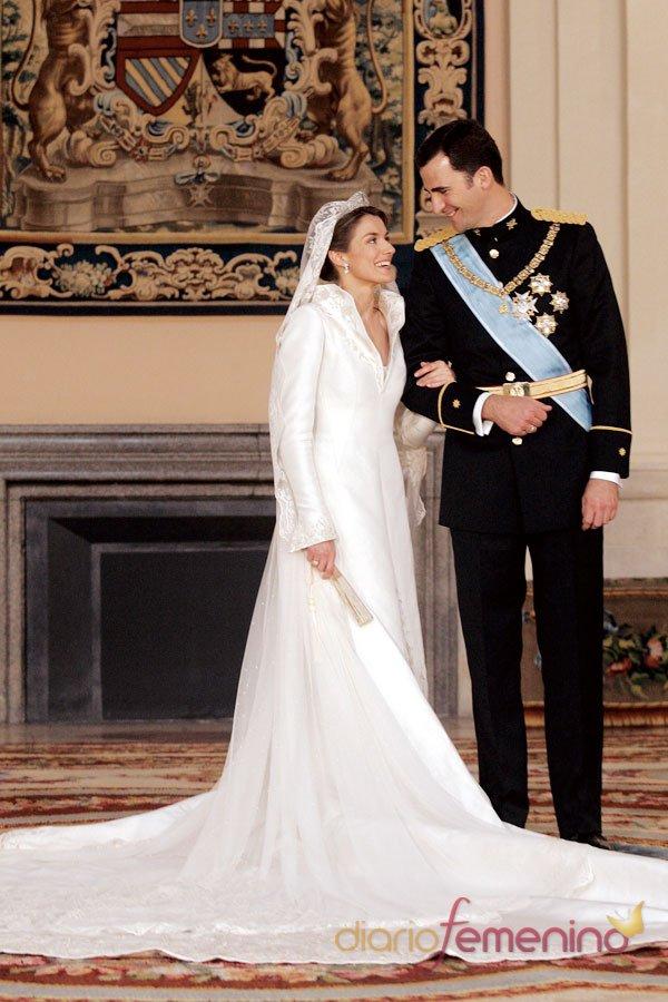La boda de Letizia y el Príncipe Felipe: el vestido de novia