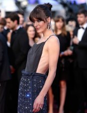 Milla Jovovich, de negro sexy en Cannes 2013