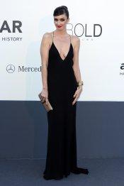 El escote de infarto de Paz Vega en la gala Amfar del Festival de Cannes 2013