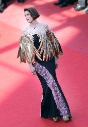 El look de Laetitia Casta en el Festival de Cannes 2013: espectacular y raro