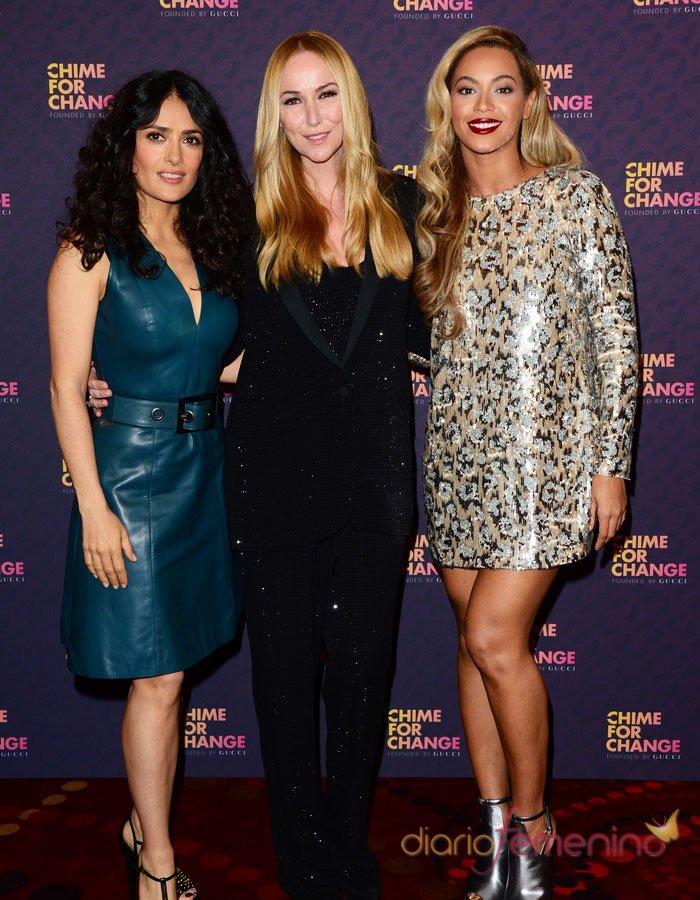 Macroconcierto por las mujeres: Beyoncé y Salma Hayek en la alfombra roja
