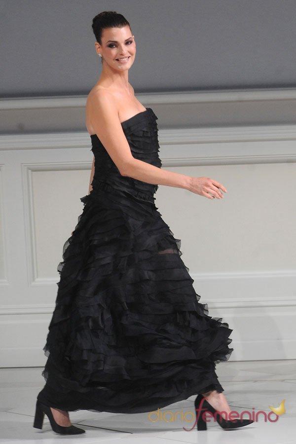 Linda Evangelista, el mejor vestido negro de fiesta de los CFDA 2013