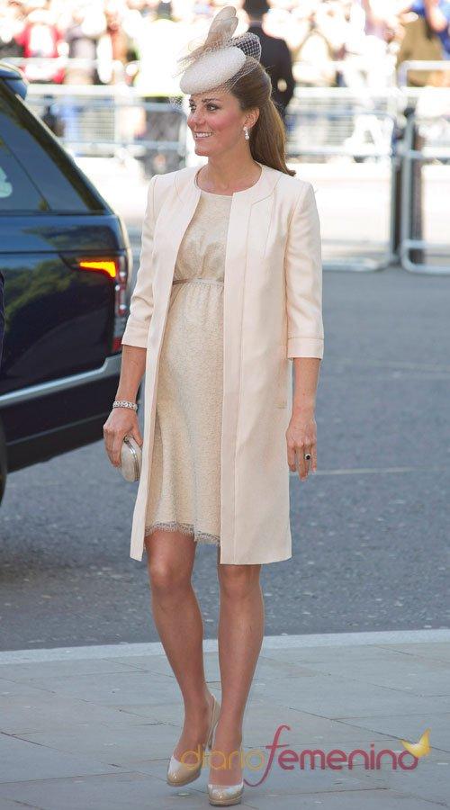 El look más elegante de Kate Middleton: su vestido de premamá crudo