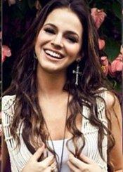La belleza natural de la novia de Neymar: Bruna Marquezine